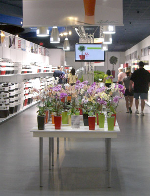 LECHUZA Factory Outlet in Palm Beach Gradens, Florida